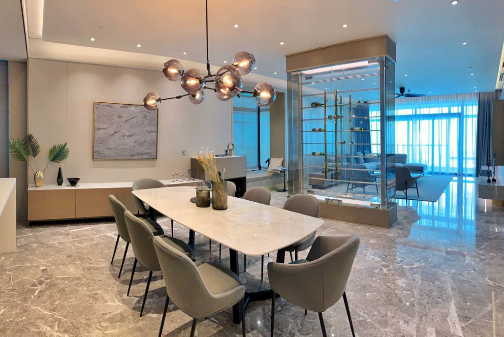 timeless-luxury-four-seasons-place-27